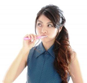 歯磨きで口腔内ケアの画像